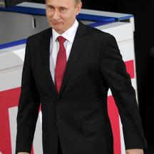 \'Russian Prime Minister Vladimir Putin arrives to give a speech during the men\'s short program event of the ISU World Figure Skating Championships on April 27, 2011 in Moscow.          AFP PHOTO / A